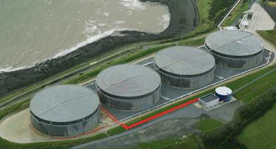 Refurbishment of 150 kt oil storage facility by Liam P. Ó Cléirigh